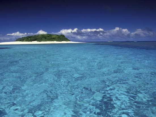 art-wolfe-tonga-islet-with-white-sand-and-ocean