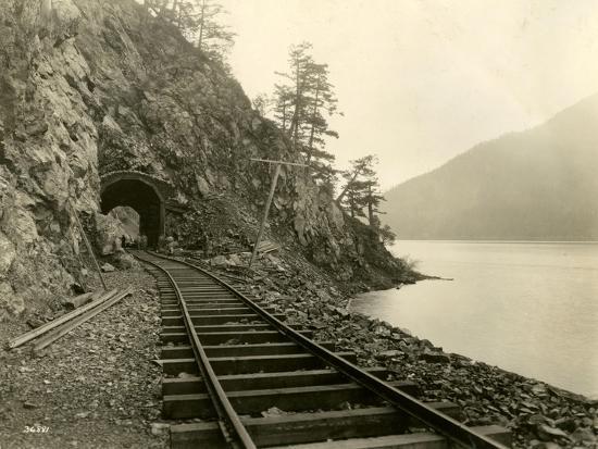 asahel-curtis-lake-crescent-road-1918