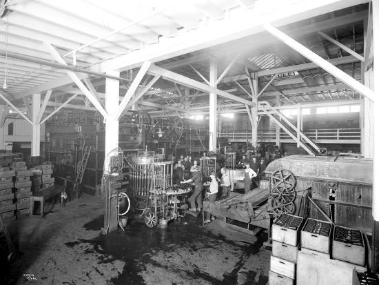 asahel-curtis-seattle-brewing-malting-co-botttling-works-1914
