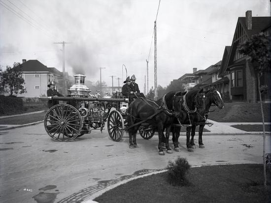 ashael-curtis-seattle-fire-department-horse-drawn-steam-pumper-1907