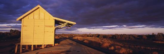 australia-outback-railway-station-near-broken-hill
