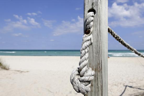 axel-schmies-beach-area-near-83-street-miami-south-beach-atlantic-ocean-florida-usa