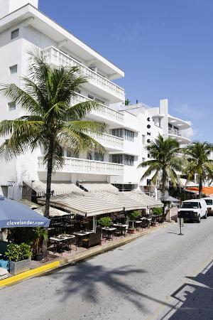 axel-schmies-hotels-facade-art-deco-hotel-ocean-drive-miami-south-beach-art-deco-district-florida-usa