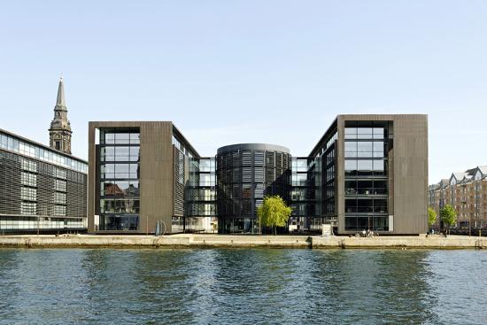axel-schmies-modern-architecture-in-the-district-of-christianshavn-copenhagen-denmark-scandinavia