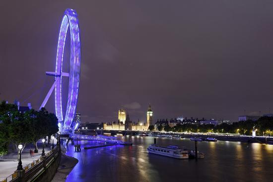 axel-schmies-the-thames-with-london-eye-and-the-houses-of-parliament-at-night-london-england-uk