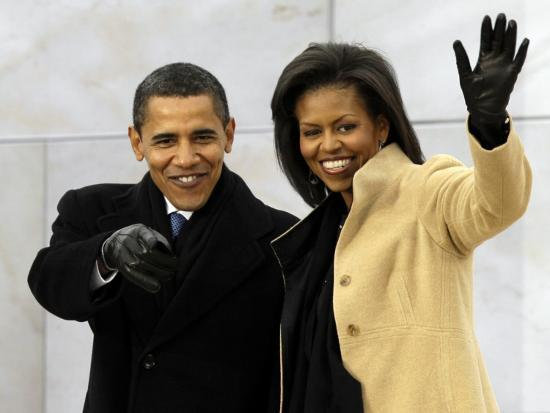 barack-obama-and-his-wife-arrive-at-the-opening-inaugural-celebration-at-the-lincoln-memorial