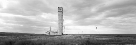 barn-near-a-silo-in-a-field-texas-panhandle-texas-usa