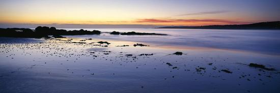 beach-at-sunrise-jeanneret-beach-bay-of-fires-national-park-tasmania-australia