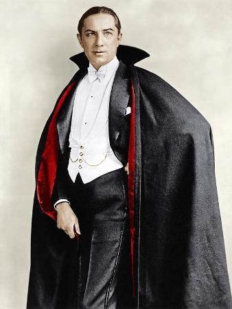 bela-lugosi-dressed-in-costume-for-his-role-in-the-broadway-play-dracula-1927-1928