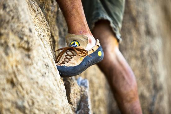 ben-herndon-a-man-s-climbing-shoe-in-low-depth-of-field-at-granite-point-in-eastern-washington