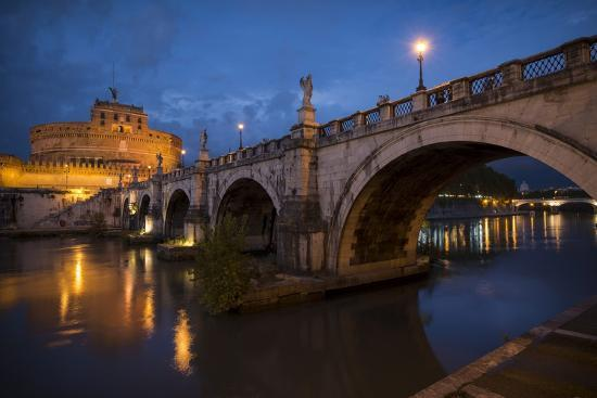 ben-pipe-pont-sant-angelo-and-castel-sant-angelo-at-dusk-rome-lazio-italy-europe