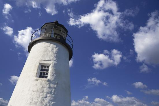 benemale-lighthouse-in-the-cloudy-sky