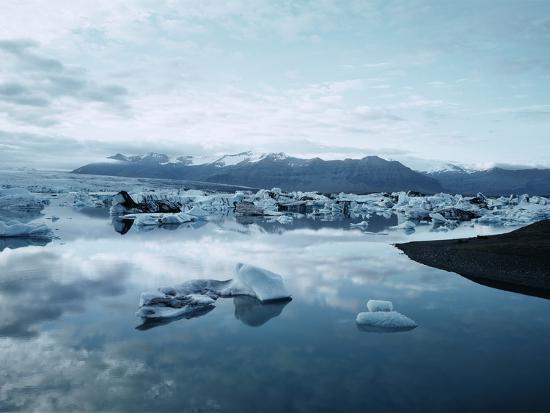 bergy-bits-near-pack-ice