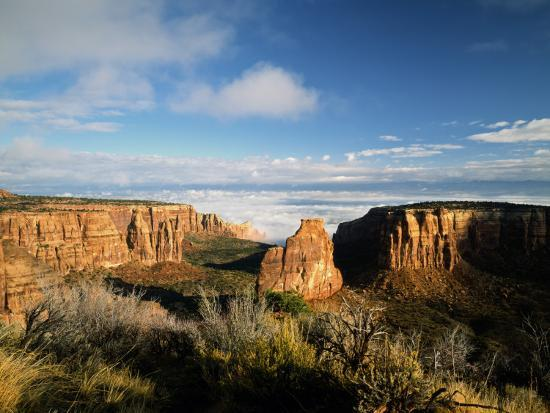 bernard-friel-independence-monument-separating-monument-and-wedding-canyons-colorado-usa