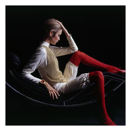 bert-stern-vogue-november-1967-twiggy-1967
