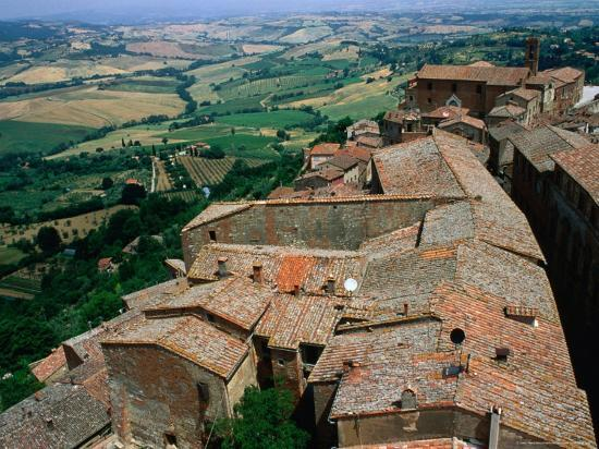 bethune-carmichael-rooftops-of-town-overlooking-tuscan-countryside-montepulciano-italy