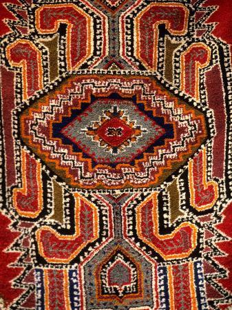 bill-bachmann-colorful-rug-artwork-casablanca-morocco