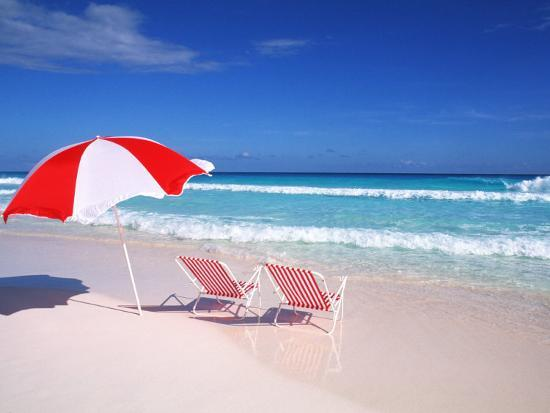 bill-bachmann-lounge-chairs-and-umbrella-on-the-beach