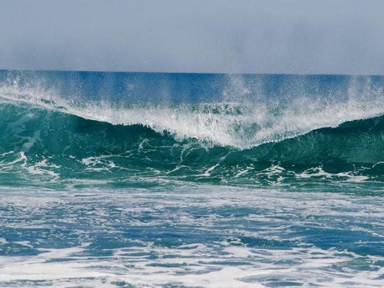 bill-ellzey-the-surf-crashes-on-the-australian-shoreline-near-kalbarri