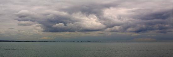bill-philip-leaden-skies