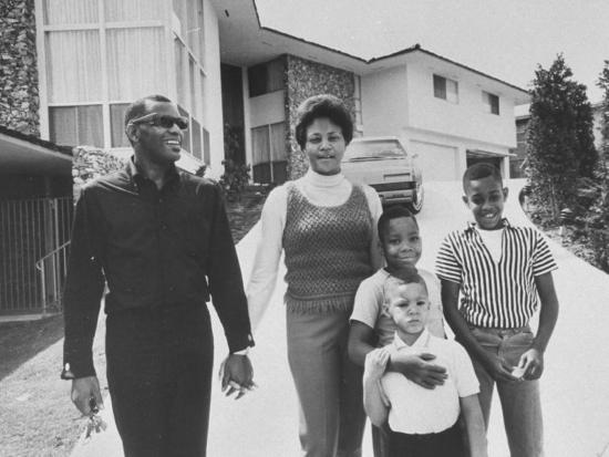 bill-ray-singer-ray-charles-posing-with-wife-and-their-three-young-sons