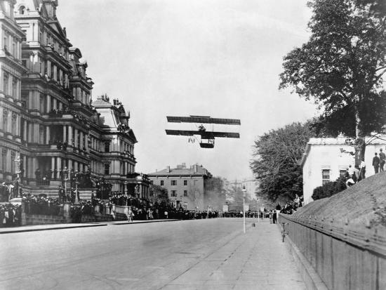 biplane-flying-over-washington