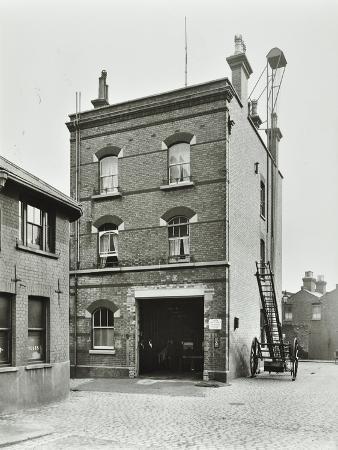 blackheath-fire-station-tranquil-vale-blackheath-london-1905