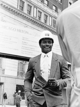 bob-johnson-walter-payton-1985