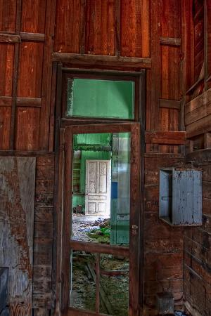 bob-rouse-train-station-doorways
