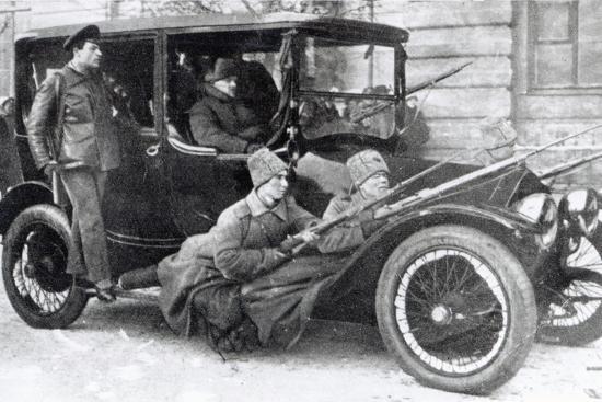 bolshevik-revolutionaries-october-revolution-1917