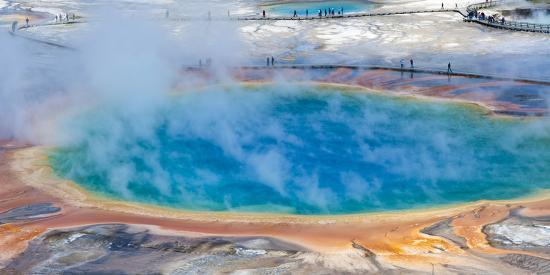brad-beck-yellowstone-wyoming-an-overhead-view-of-the-grand-prismatic-geyser
