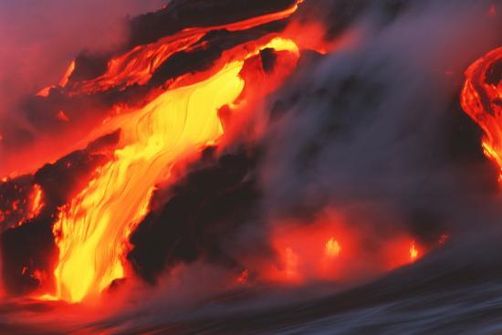 brad-lewis-molten-lava-flowing-into-the-ocean
