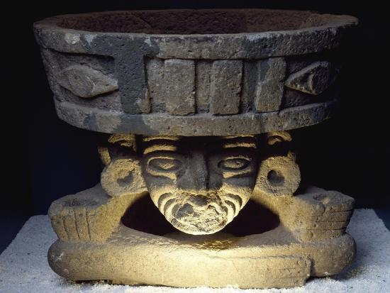 brazier-showing-the-god-of-fire-huehueteotl