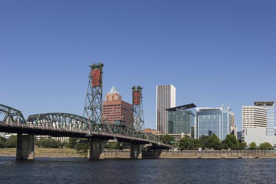 brent-bergherm-usa-oregon-portland-downtown-and-the-hawthorne-bridge