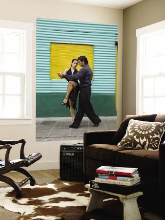brent-winebrenner-pair-of-tango-dancers-performing-on-streets-of-la-boca