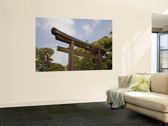 brent-winebrenner-torii-gate-near-entrance-to-meiji-jingu-shrine