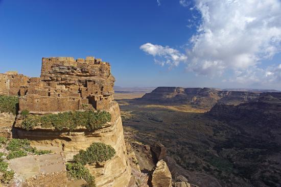 bruno-morandi-ancient-town-of-zakati-central-mountains-of-bukur-yemen-middle-east