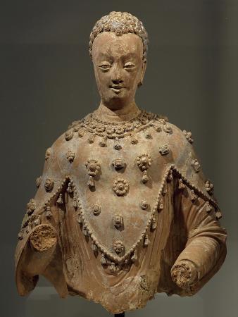 buddha-dressed-as-pilgrim-with-three-points-terracotta-statue-from-fondukistan-monastery