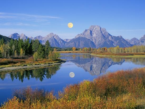 buddy-mays-full-moon-rising-over-the-oxbow-bend