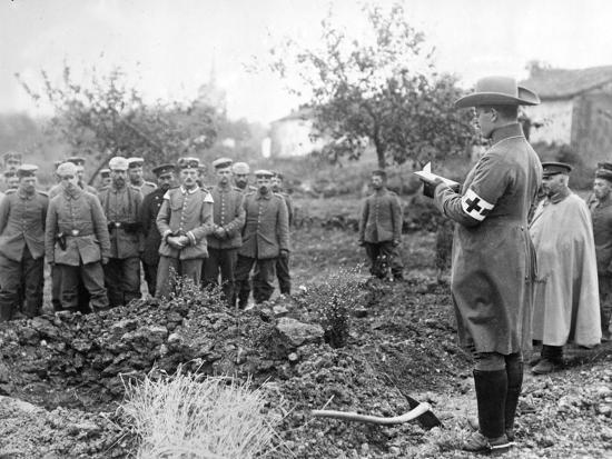 burying-the-dead-c-1914-18