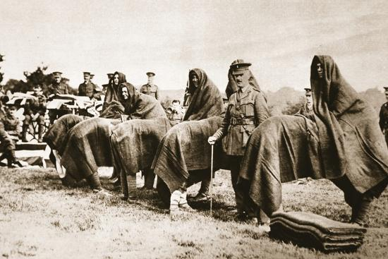 camel-race-london-irish-rifles-regimental-sports-day-from-the-illustrated-war-news
