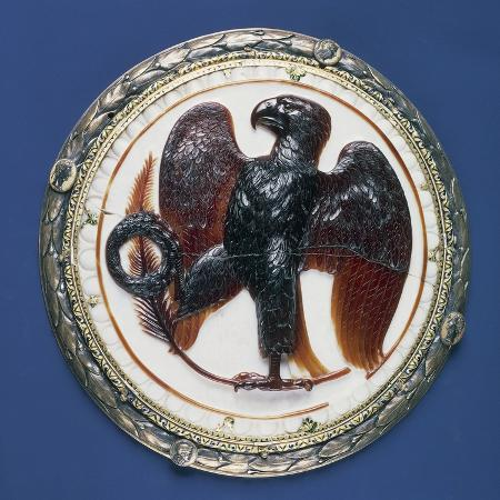cameo-with-eagle-and-symbols-of-victory-onyx-silver-gilt-frame-in-second-half-of-16th-century