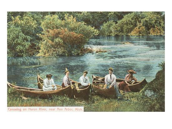 canoing-on-huron-river-ann-arbor-michigan