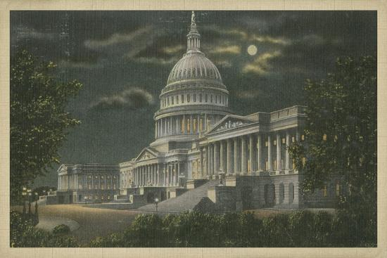 capitol-building-at-night