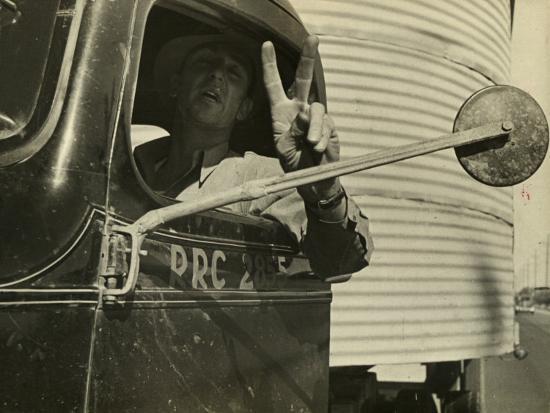 carl-mydans-trucking-story