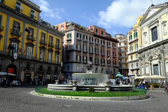 carlo-morucchio-artichoke-fountain-trieste-and-trento-square-naples-campania-italy-europe