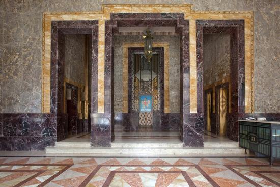 carol-highsmith-bacardi-rum-interior