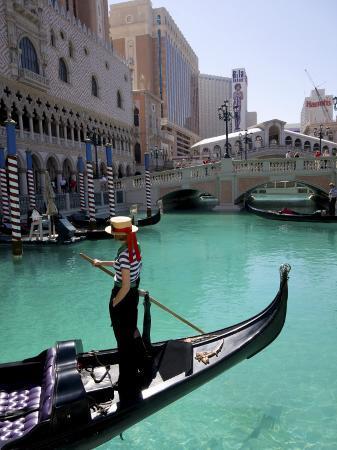 carol-polich-the-venetian-hotel-and-gondola