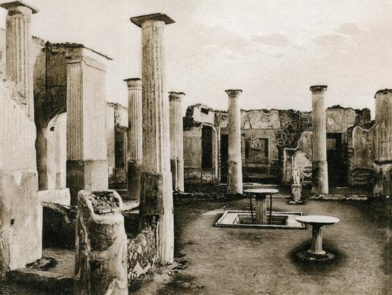 casa-di-marco-olconio-pompeii-italy-c1900s