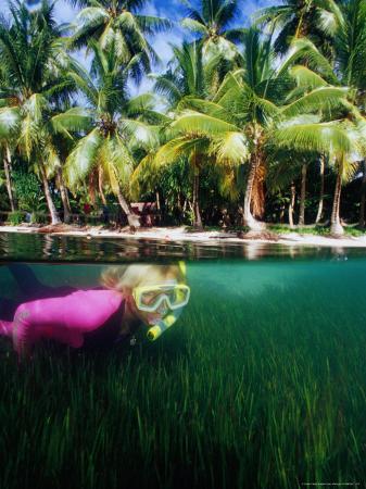 casey-mahaney-woman-snorkelling-micronesia